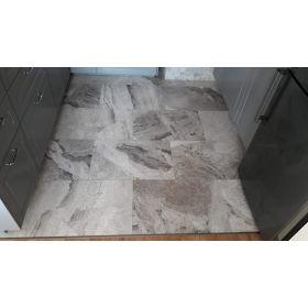płytki marmurowe silver shadow szlifowane kuchnia