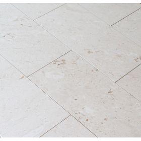 Płytki marmurowe kamienne naturalne podłogowe Myra szczotkowane 61x30,5x1,2 cm realizacje