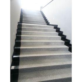 matowe stopnice granitowe kamienne g603 szare  schody wewnętrzne